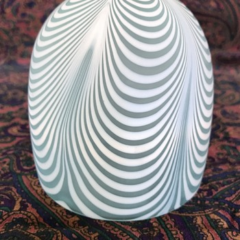 Victorian satin glass fairy lamp dome - pulled loop pattern (Nailsea type) - Art Glass