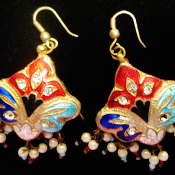 Puffed earrings - Costume Jewelry