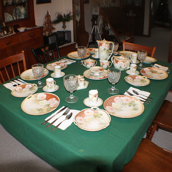 RS German table setting. - China and Dinnerware