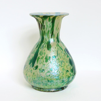 Fritz Heckert Marmopal Vase in Green - Art Glass