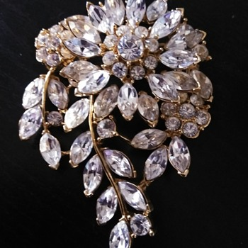 Rhinestone brooch - Costume Jewelry