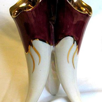 Three toed vase - Pottery