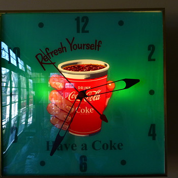 Coca-Cola Cup-in-hand Pam Clock - Coca-Cola