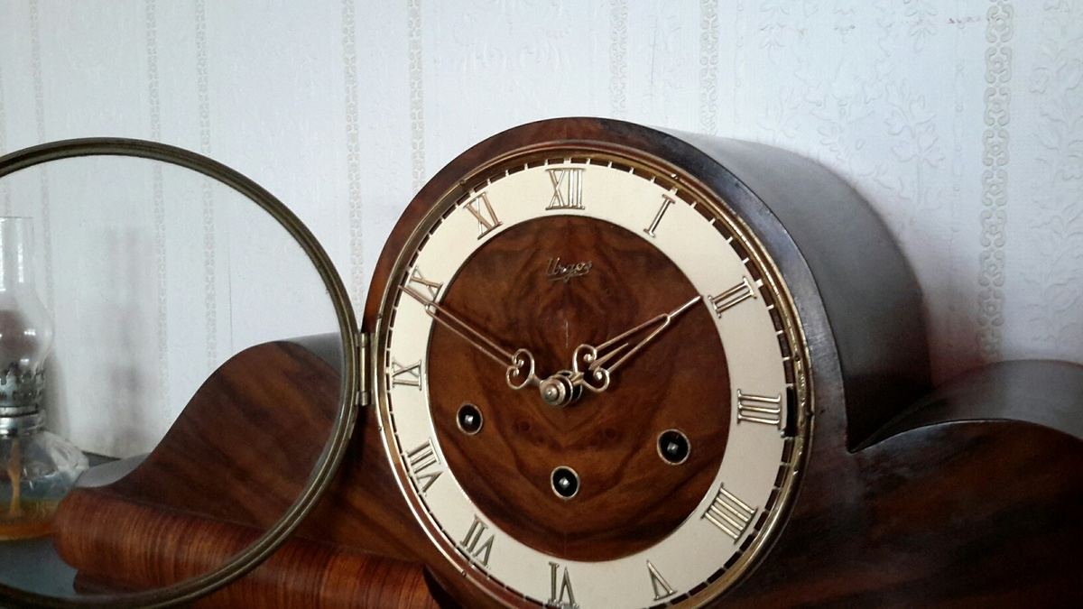 Urgos made in germany 8 day westminster chime mantle clock urgos made in germany 8 day westminster chime mantle clock collectors weekly amipublicfo Choice Image