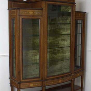 Federal Cabinet. - Furniture