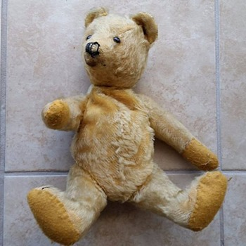 Need help: What brand of Teddy Bear is this. I picked it up cheap.