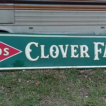 Clover Leaf sign - Signs