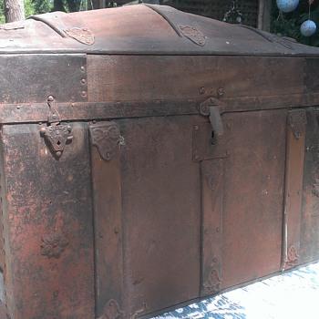 Steamer Trunk Yard Sale Find - Furniture