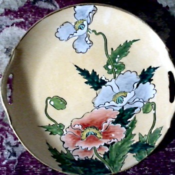 Japanese Royal Kaga Nippon Porcelain Serving Plate / Hand Painted Poppies and 24 kt trim / Circa 1900-1940 - China and Dinnerware