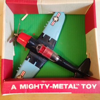 Hubley Fighter Bomber #1495 - Toys