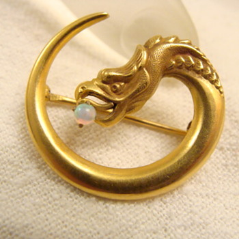 Nouveau Gold Circular Griffin Brooch  - Fine Jewelry