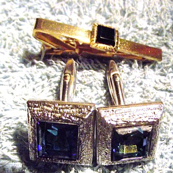1966-1968 mens tie pin and cuflinks. - Accessories