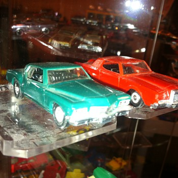 Mini-Lindy rare Buick and Lincoln 1/64 scale model cars...