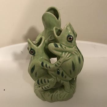 Moriyama three singing frogs - Asian