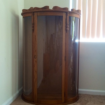 Victorian Chicago Co.Oak Bowed Glass Door Curio Cabinet Gift