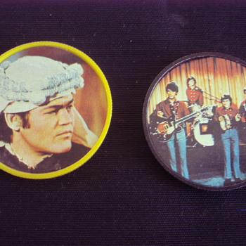 THE MONKEES  PLASTIC COINS KELLOGS CORNFLAKES 1967 - Music Memorabilia