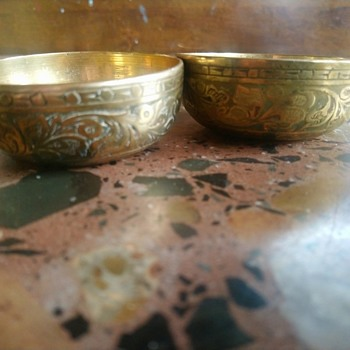 Two Indian brass bowls with engraved signiture  - Asian