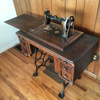 Betsy Ross treadle sewing machine - Sewing
