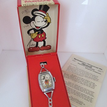 Mickey Mouse Watches - Wristwatches