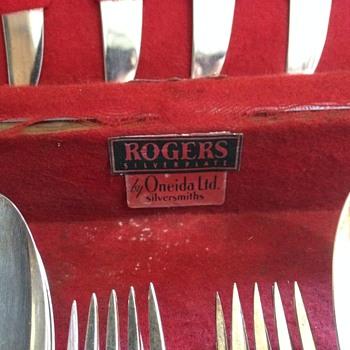 Rogers Silverplate by Oneida ltd Silversmiths - Silver