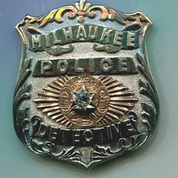 Milwaukee Detective's Badge - Medals Pins and Badges