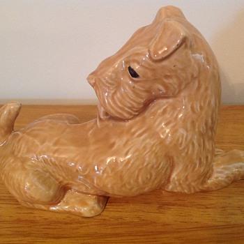 Porcelain dog - Figurines