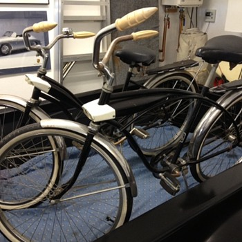 Vintage bikes need year and manufacturer information.