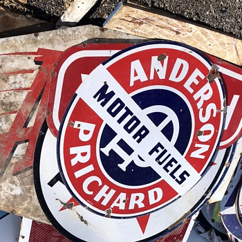Anderson-Pritchard Gas - Signs