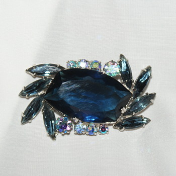 Vintage Brooch with Rhinestones - Costume Jewelry