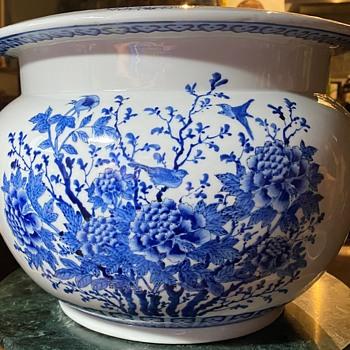 Large Bulbous Vase Qianlong Mark, but appears new - Asian