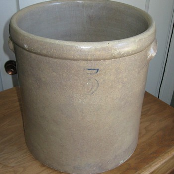 MYSTERY STONEWARE CROCK - CAN YOU IDENTIFY THE MAKER? - China and Dinnerware