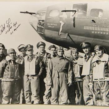 """Memphis Belle"" Photo Signed By Pilot Robert Morgan - Photographs"