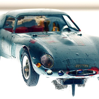 Strombecker Beaten Up - Ferrari 250 GT 1/32 Model Racer  - Model Cars