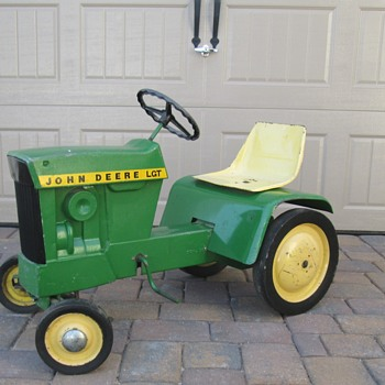 John Deere Lawn & Garden Pedal Tractor - Toys