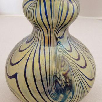 Fritz Heckert Blue and Gold Vase. - Art Glass