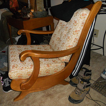JM YOUNG CHAIR LOW ROCKER MYSTERY