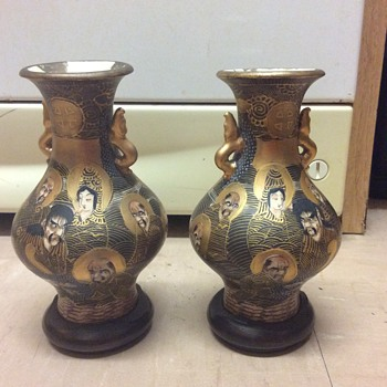 Japanese pair Meji 1000 faces vases 1850-1900 with bases  - Asian