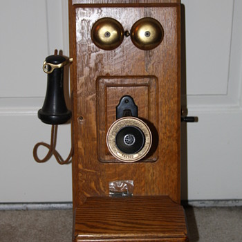 Stromberg Carlson Antique Wall Phone - Telephones