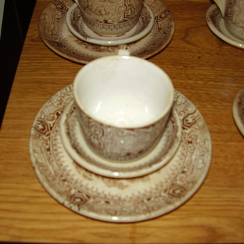 Antique Tea cups with sausers - China and Dinnerware