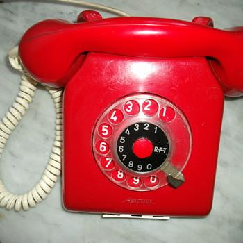 Vintage telephone. - Telephones