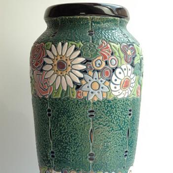 large art deco pottery vase by AMPHORA  - Art Deco