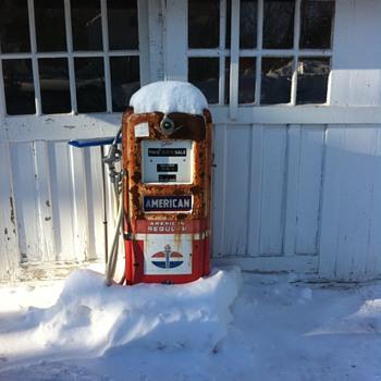 Gas pump  - Petroliana