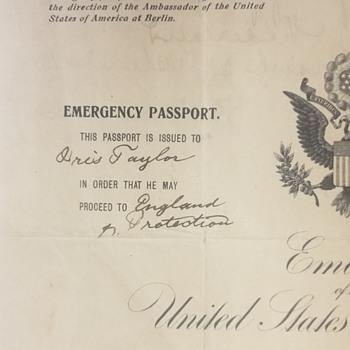 1914 U.S. Passport issued to British Citizen in Berlin  - Paper