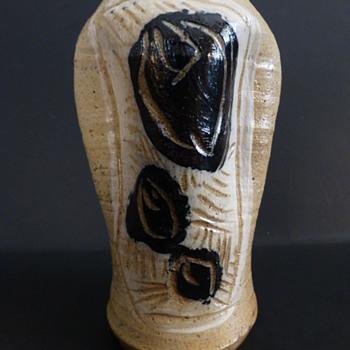 Mystery pottery vase - Pottery