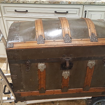19th Century? Domed Trunk - Furniture