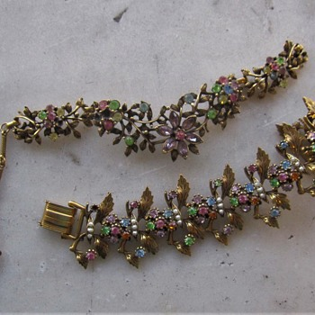 Pastel unmarked 50's necklace and bracelet - Costume Jewelry