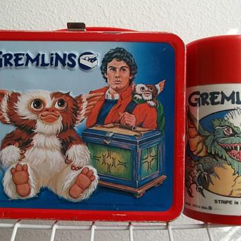 1984 Gremlins movie  lunch box with bottle. - Kitchen