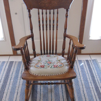 Trying to identify maker of this antique rocker - Furniture