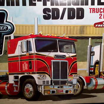 White-Freightliner 75th Commemorative Edition - Model Cars