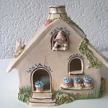 Signed Handmade Pottery House Thrift Shop Find $3.00 - Pottery